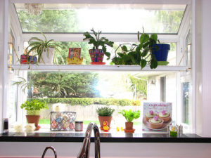 Greenhouse Windows - Decorating Doesn\'t Have to Be a Challenge